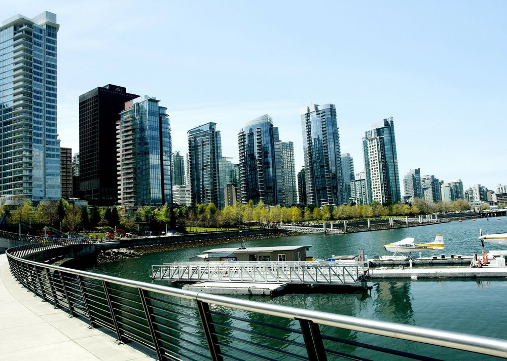 shoreline of Vancouver city during the day