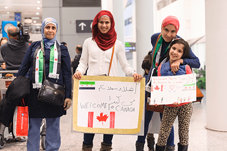 muslim residents welcome refugees to Canada