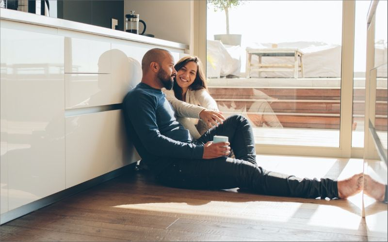 Canadian citizens and permanent residents may sponsor their spouse or partner to work in Canada by obtaining permanent residence! Find out how you can easily start the process today - no sweat.