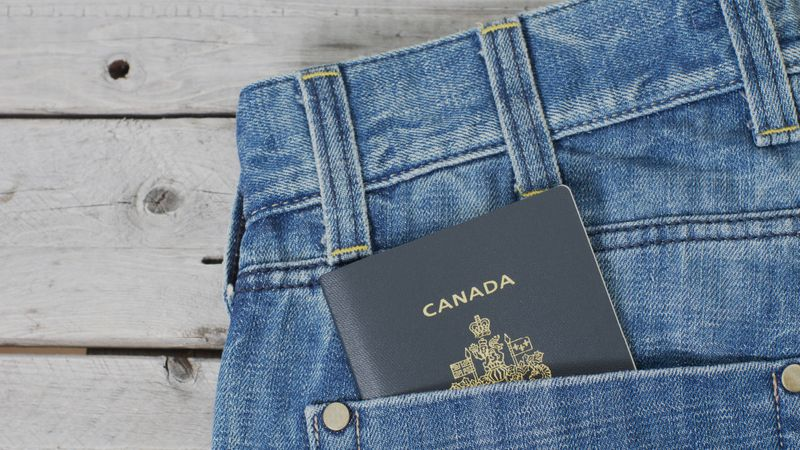 Do you want to work in Canada or the USA as a skilled worker? The Global Talent Stream and H-1B Visa are two of the best options. Find out more.