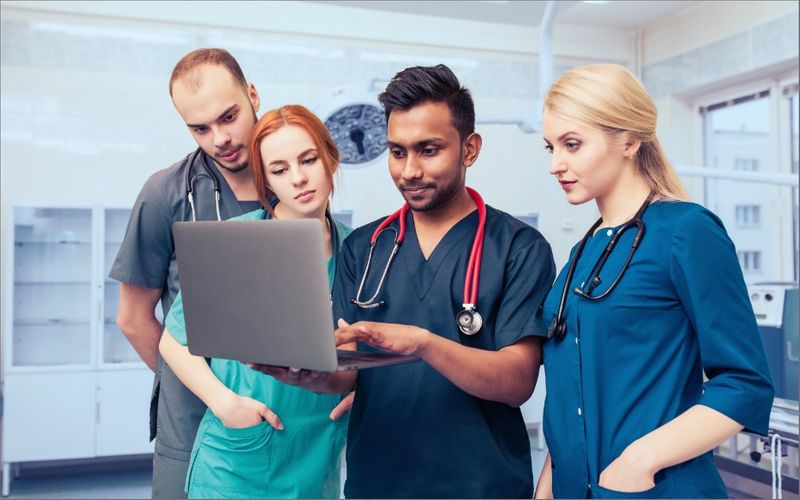 Discover the best medical universities in Canada. International undergraduates and postgraduates choose to study in Canada every year - find out why!