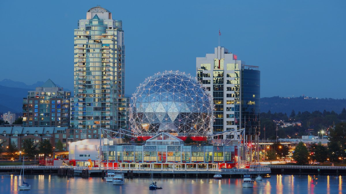 Thinking of moving to British Columbia? Here are 5 things to know about the British Columbia Provincial Nomination Program (BC PNP) in 2021!