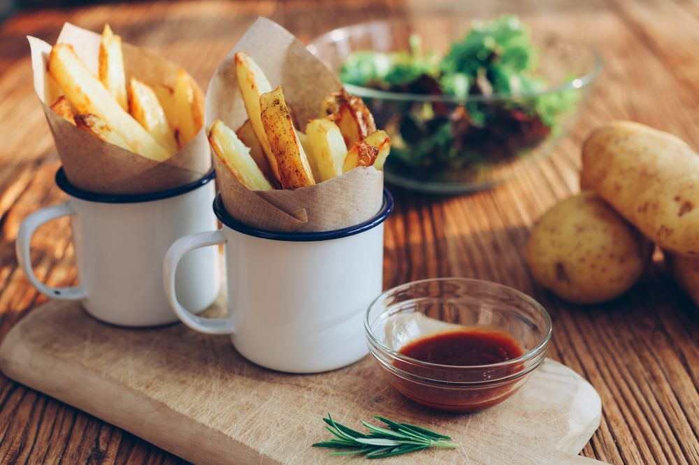 Delicious fried chips with dipping sauce