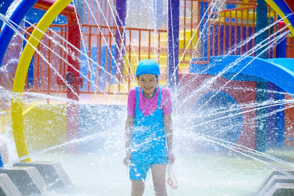 kids enjoying water games at the watermania recreation centre