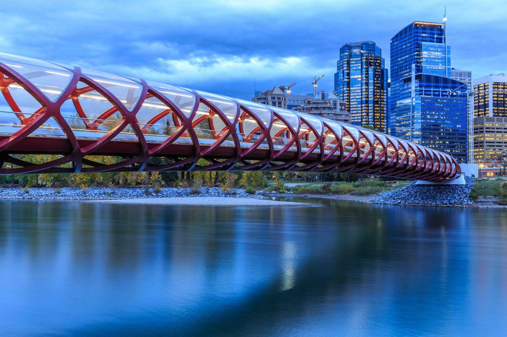 great views of the peace bridge in calgary