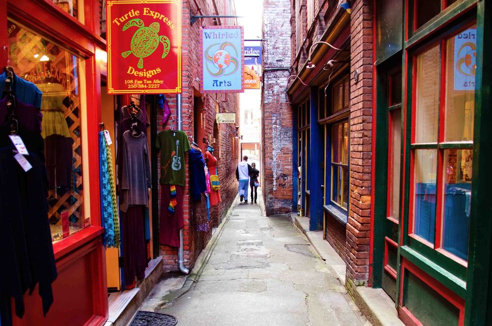 Fan Tan Alley in Victoria Chinatown