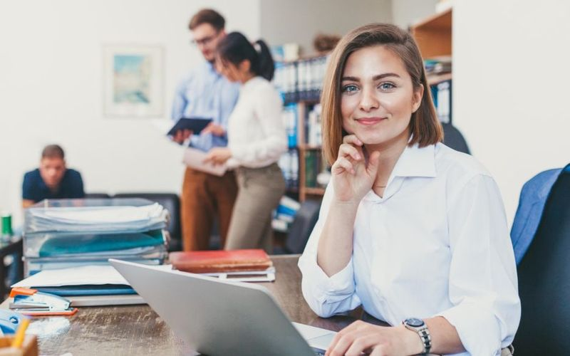 Jobs for US Immigrants in Canada are a lot more accessible than for other foreign workers, use this to your advantage to secure a business administration position.