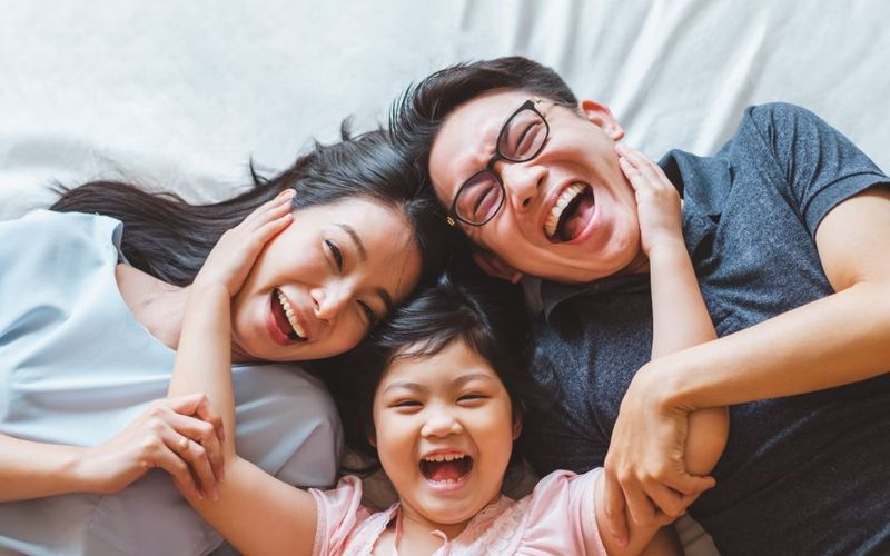 Do you want to immigrate to Canada but aren't sure how? Take a look at our step by step guide to apply for a Canadian visa from the Philippines.