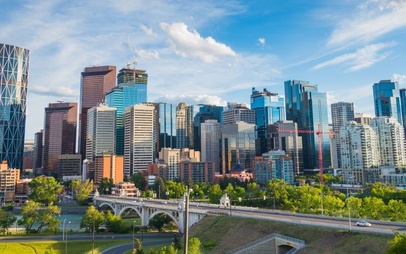 Are you ready to live and work in Canada? Alberta has recently launched a new program to help entrepreneurs start up their innovative business in Canada.