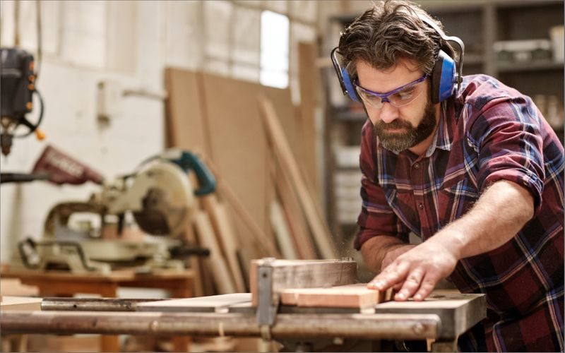 The Skilled Trades Program is an immigration stream dedicated to fast tracking qualified trades workers applications to immigrate to Canada.