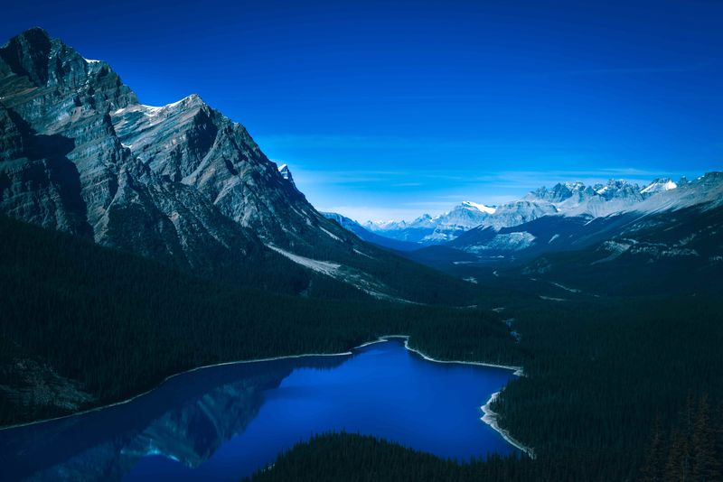 Want to know how to immigrate to Alberta from Australia? We have the perfect guide for you to make this stunning Canadian province your home right here.