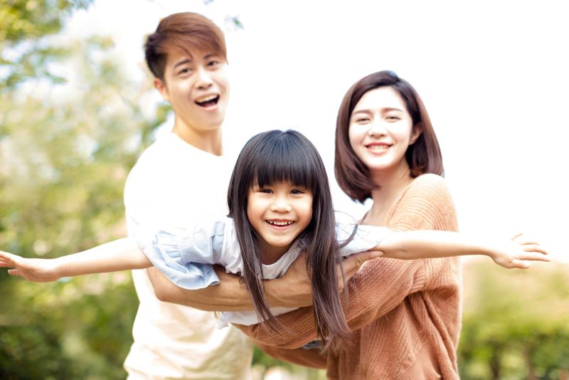 Asian family happily Canada Immigration 2018