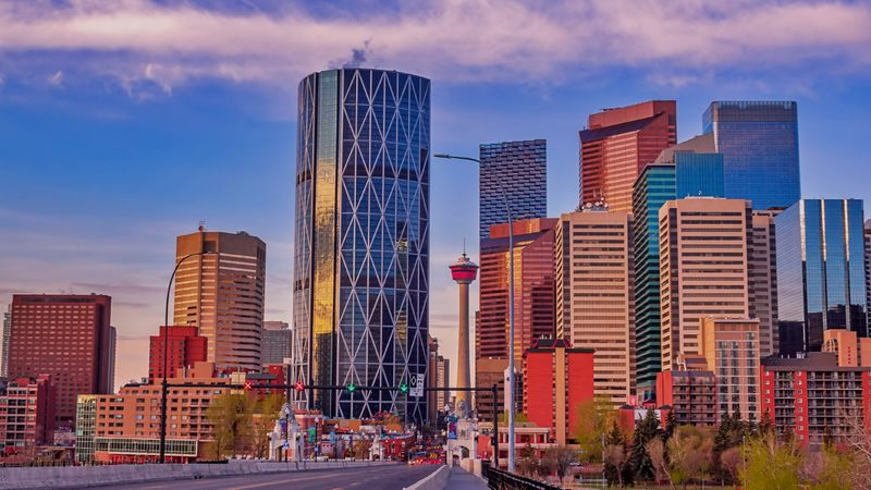 Learn how to immigrate to Alberta in 2021 as a Canadian permanent resident with several immigration pathways.