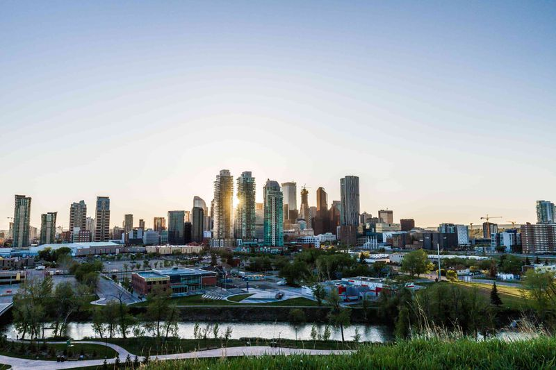 How to immigrate to Alberta from Australia and live in Calgary