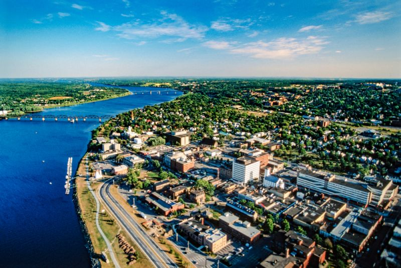 Move to the city of Fredericton in the province of New Brunswick in Canada to benefit from the low cost of living and plenty of job opportunities.