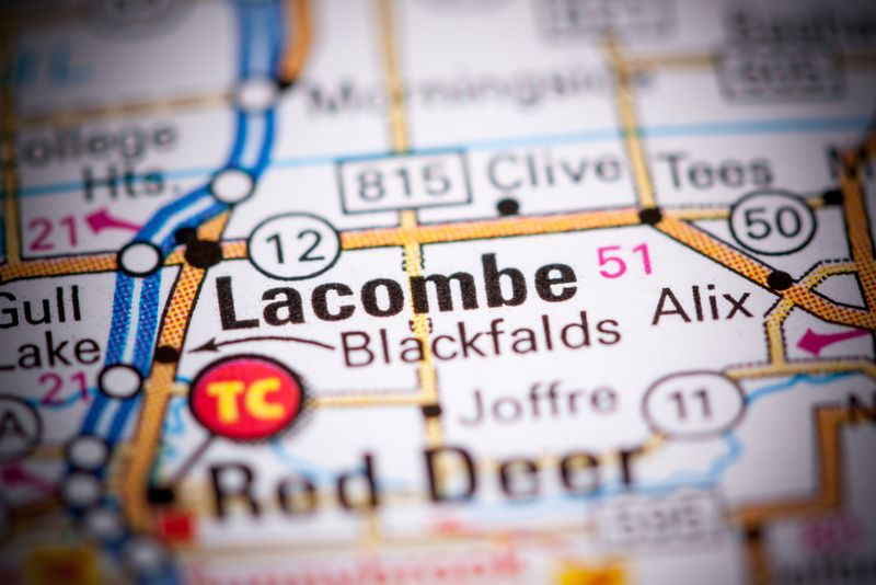 Find out why you and your family should choose to move to Lacombe in  the province of Alberta in Canada.