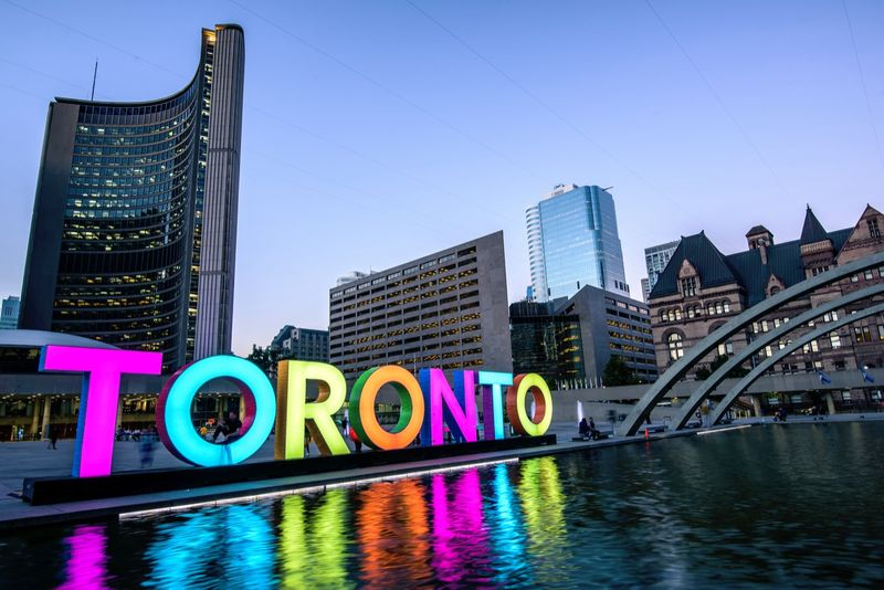 Are you looking for a great place to raise your family in Canada? Here are some great neighbourhoods in Toronto to live in when you immigrate to Canada from Saudi Arabia