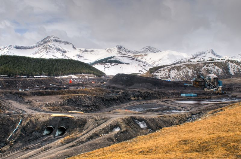 Mining jobs in Canada - immigrate from Angola