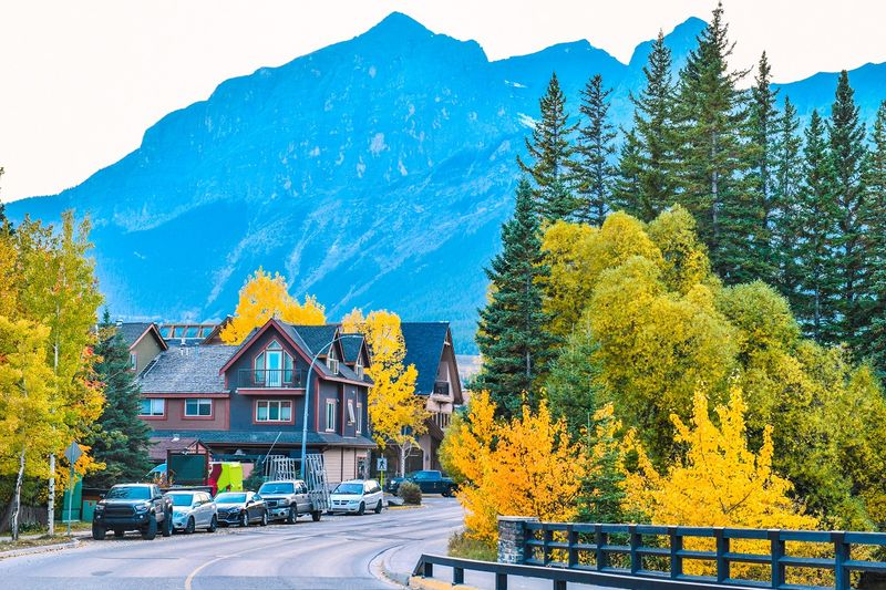 Hustle and bustle or peace and quiet, how do you picture living in Canada?