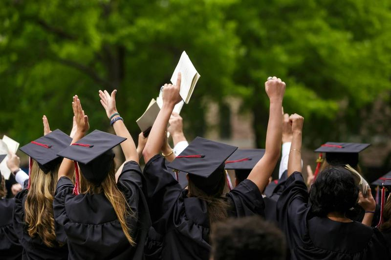 students at graduation | immigrate to Canada