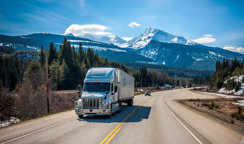 Start your Canadian visa application and become a long-haul truck driver in Canada.