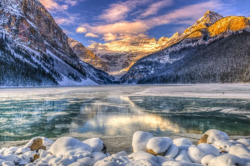 Winter sunrise over Lake Louse in Banff National Park Alberta | travel to Canada