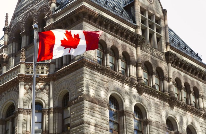 Want to immigrate to Canada? Here are  top 7 myths about Express Entry and how it can affect your immigration application to Canada