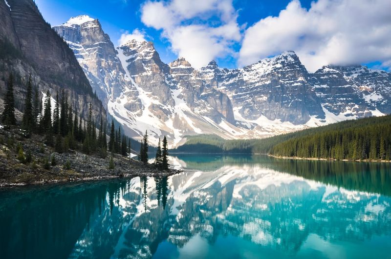 Canada has majestic lakes begging to be seen once you immigrate to Canada.