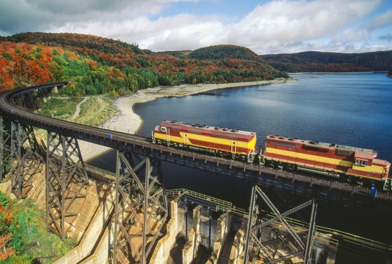 Ride the train in Ontario when you immigrate to Canada.