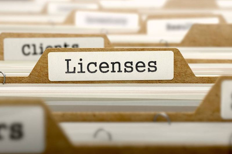 business licenses folders | business immigration to Canada