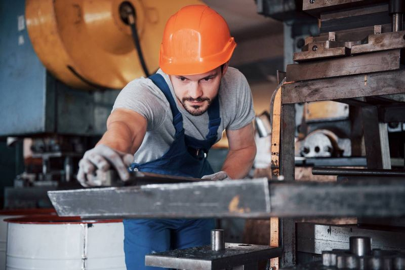 Hundreds of machinist jobs in Canada offering pathways to permanent residency. Find out how to immigrate to Canada as a Machinist or Machine Operator right here.