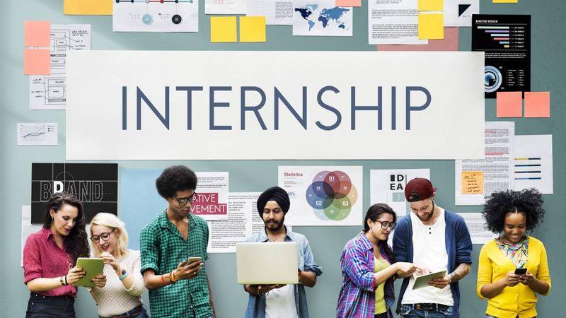 multiracial-students-considering-internships | Internship Jobs in Canada for International Students