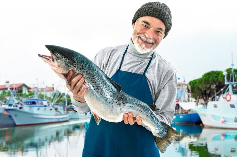 Are you looking to migrate to Canada in the fish and seafood processing industry and earn up to $99,450 per year? Take a look and just how simple it can be.