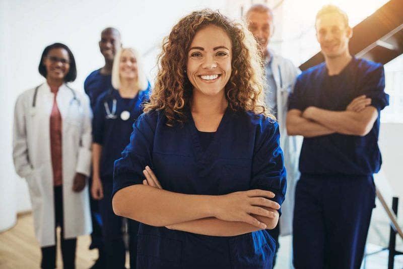 Medical professionals in Canadian hospital | immigrate to Canada