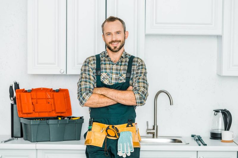 Earn up to $97,500 per year as an experienced and qualified plumber when you immigrate to Canada. Keep reading to find out more.